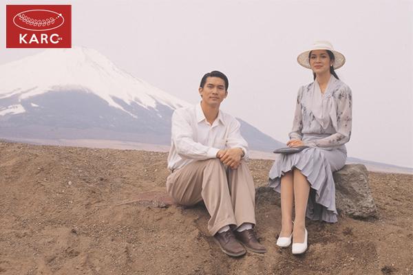 รีวิวหนังข้างหลังภาพ (2001) วงการภาพยนต์ , แนะนำหนังดี , แนะนำหนังน่าดู , หนังน่าดู , รีวิวหนังใหม่ , ข่าวดารา